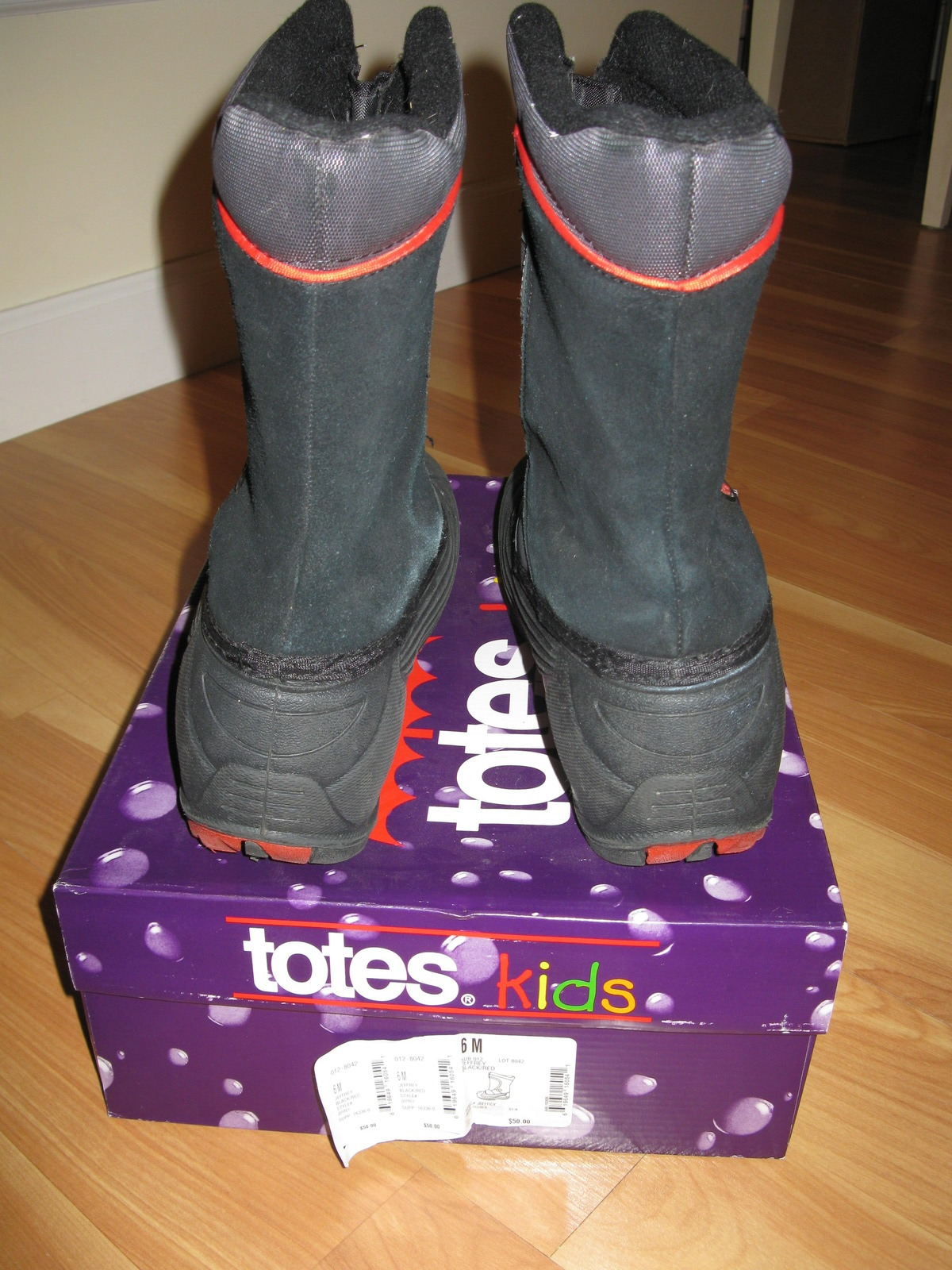 35d923da8 Totes for Kids black/red Winter Boots Zip-up Teen size 6 with original box  | Jamestown, ND