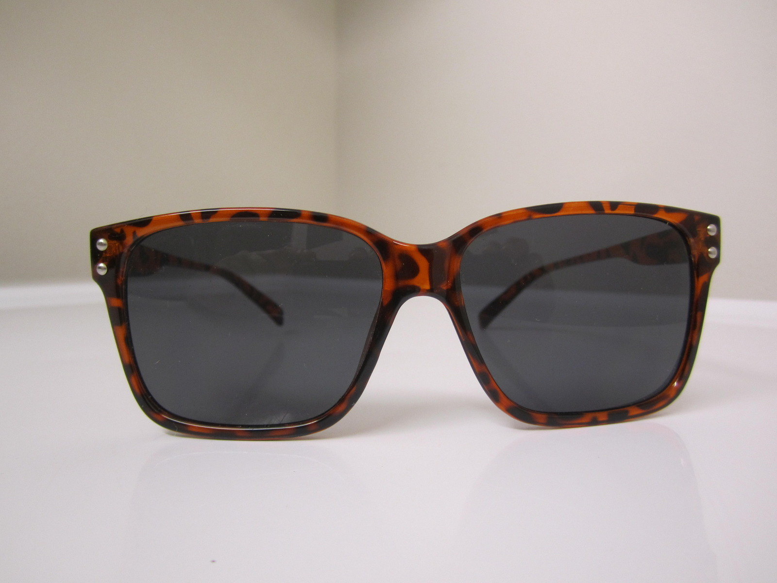 42419e393f8 GLASSY Sunhaters Fritz brown tortoise sunglasses  5