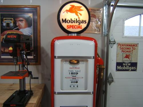 Beautiful 1938 Restored Gilbarco Mobil Gas pump with all internal parts     Valley City, ND