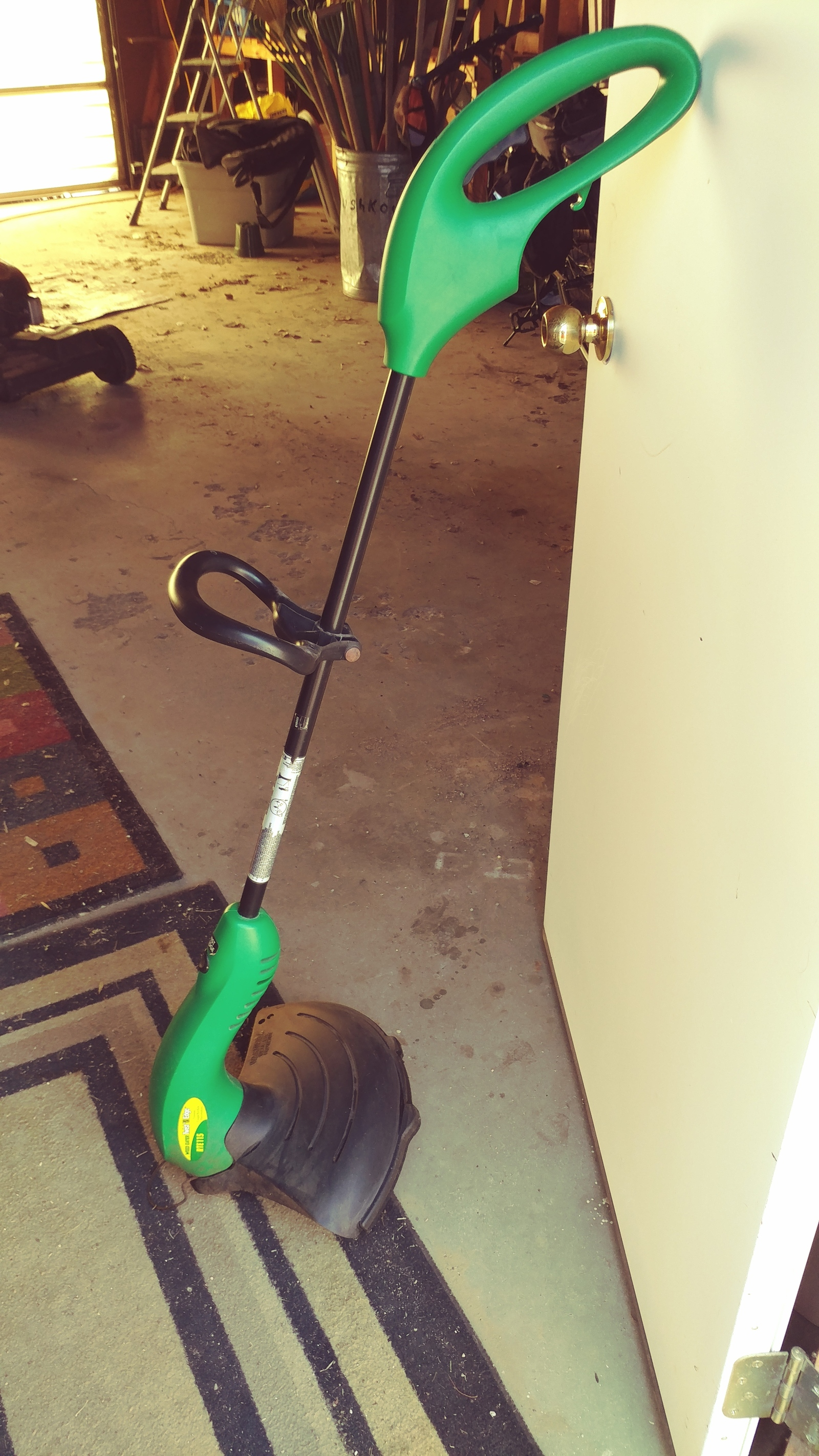 Electric Grass Trimmer  Weed Eater Twist N Edge model RTE 115  Works but  has no | Jamestown, ND